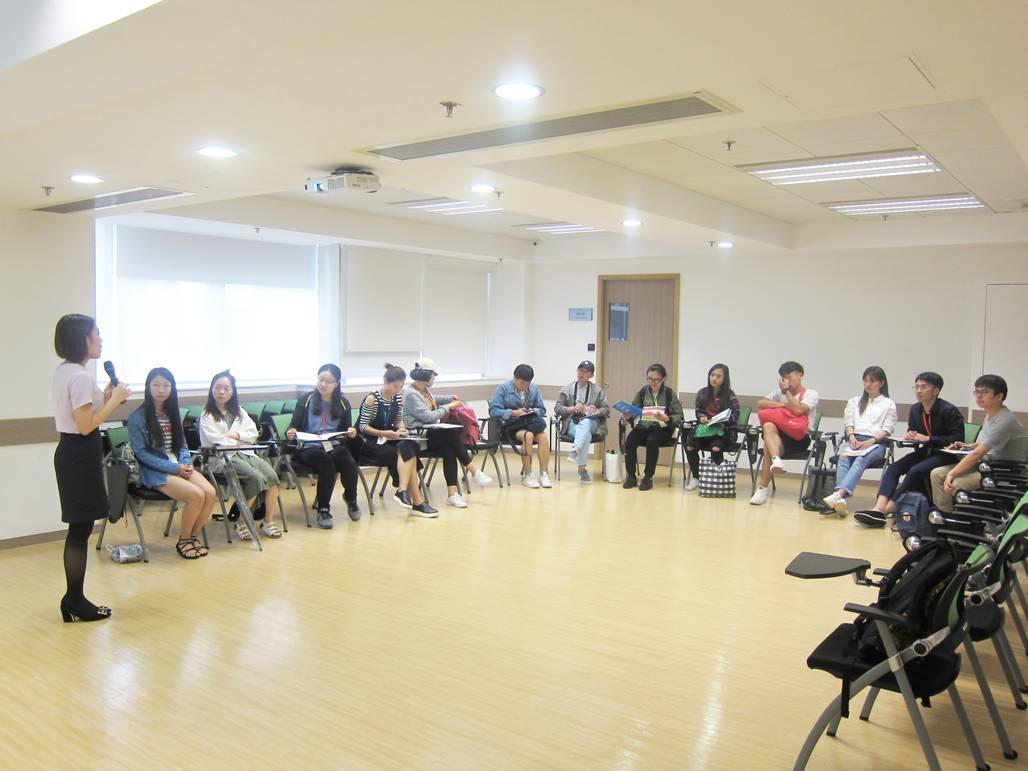 中華民族團結促進會組織少數民族師生來訪_pic01