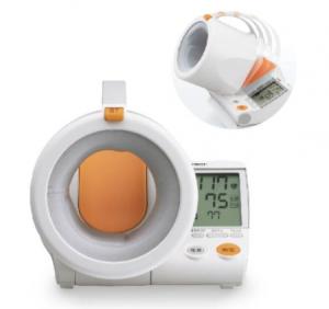Omron 高智能感應式電子血壓計